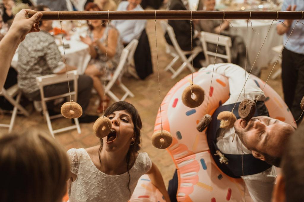Prueba de comer donuts sin manos
