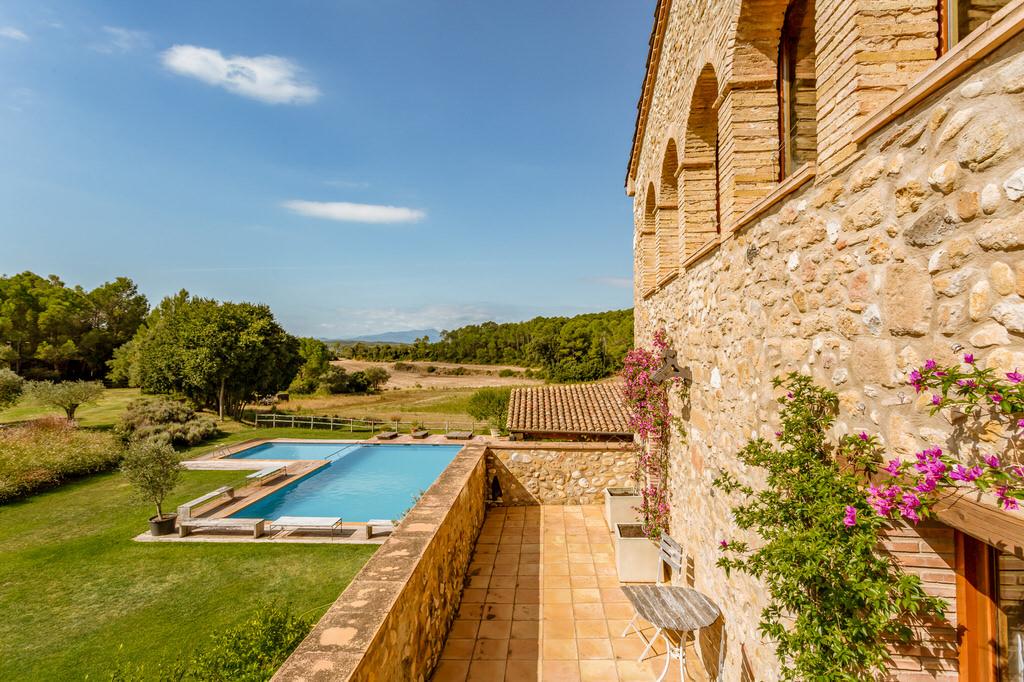 Vistas terraza habitación grande en Mas Terrats