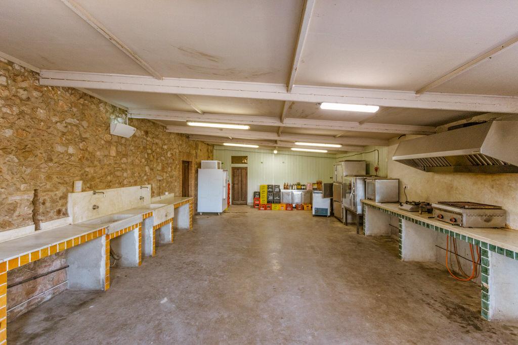 cocina interior para ctering de boda en Cortal Gran