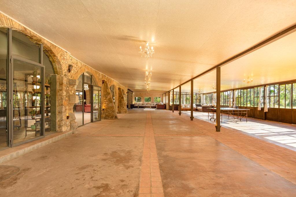 Interior pabellón para bodas en Cortal Gran