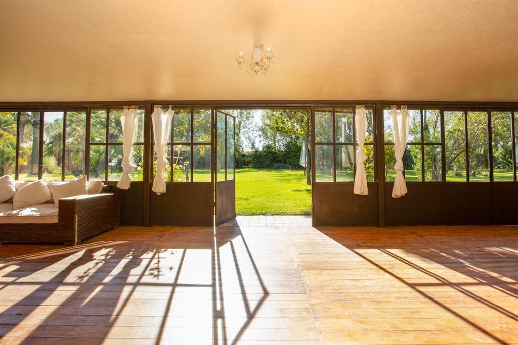 Abertura del pabellón para boda en Cortal Gran