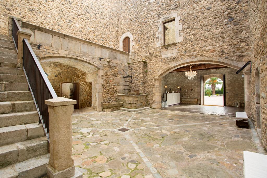 pati d'armes interior castillo para boda