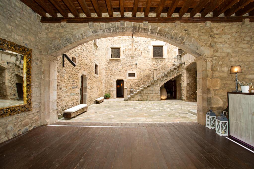 zona de fiesta para boda en castell de sant gregori