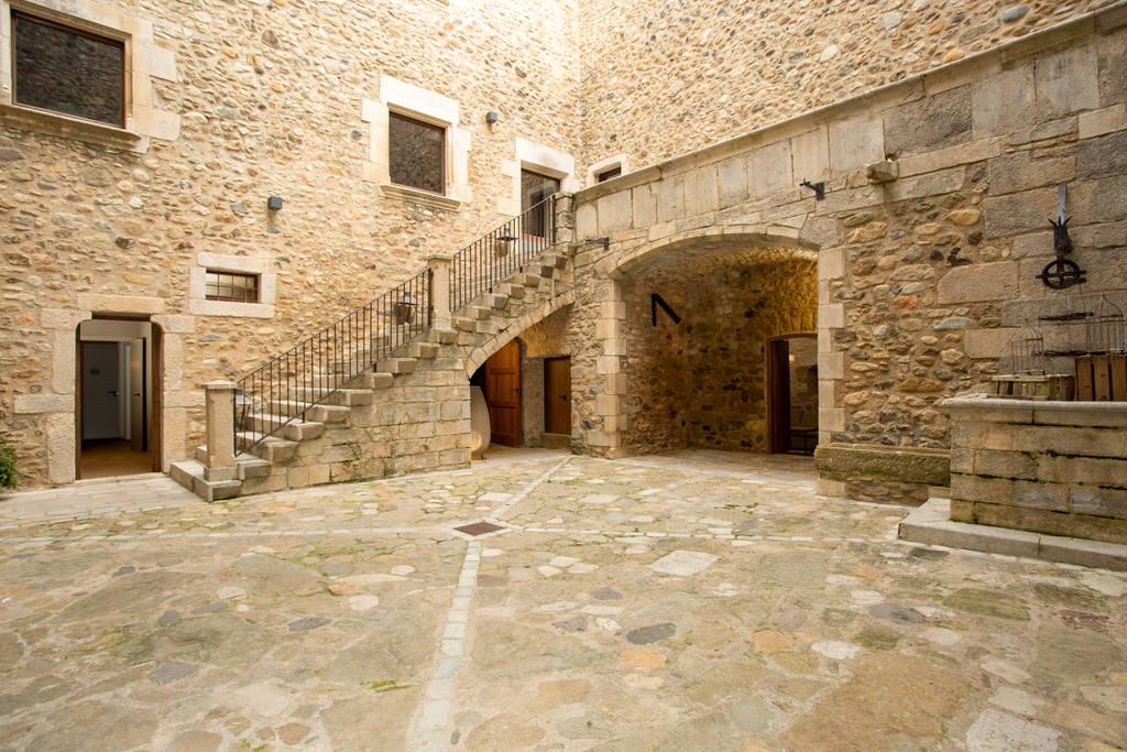patio castell de sant gregori